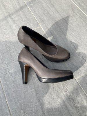 s. Oliver (QS designed) Platform Pumps dark grey