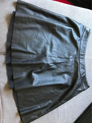 H&M Divided Gonna in pelle nero