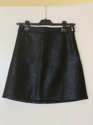 Zara Falda de cuero negro-color plata