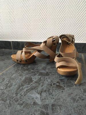 Wygodne sandały beżowy