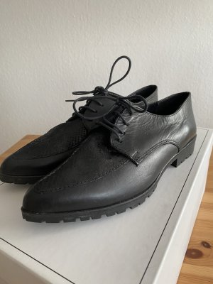 Tamaris Wingtip Shoes black