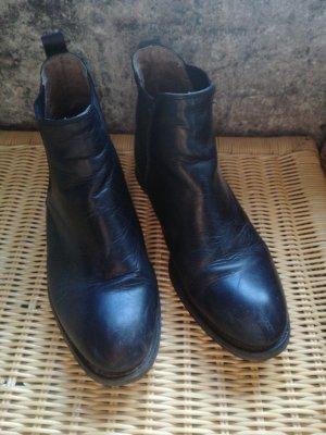 Buffalo London Bottines plissées noir