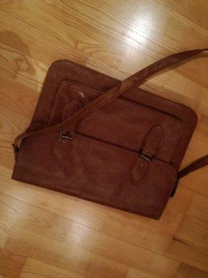 Bolso estilo universitario marrón Cuero