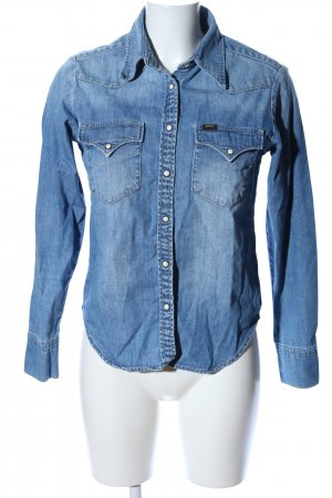Lee Blusa vaquera azul look casual