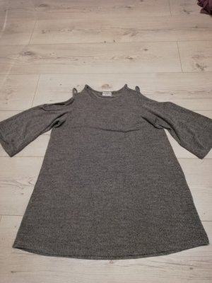 Pull & Bear Vestido cut out gris