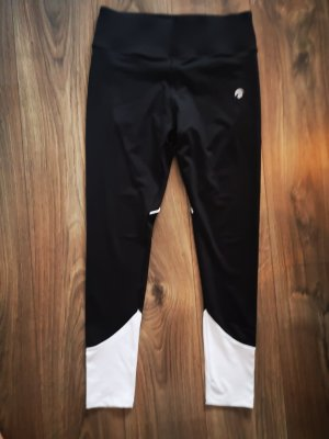 oceans apart Trackies white-black