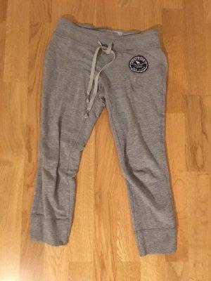 Abercrombie & Fitch Pantalón tobillero gris claro