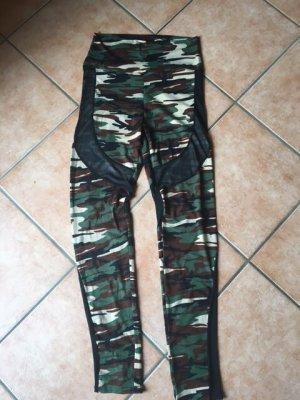 Leggins Camouflage mit schwarzen Netzeinsätzen