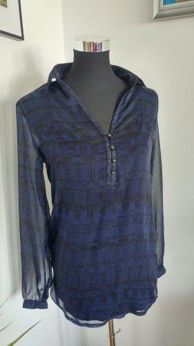 leichte Bluse mit dunkelblau schwarzem Muster