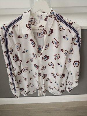 Leichte Bluse mit floralem Muster