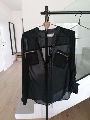 leichte Bluse mit goldenen Details