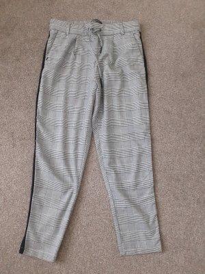 Zalando 3/4 Length Trousers black-light grey