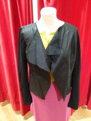 Leichte Jacke,  in schwarz von Vero Moda, Gr. M - neu!