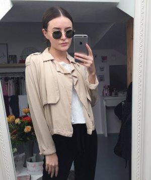 Leichte Jacke von Gina Tricot