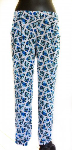 Leichte, luftige Hose mit blauem Rosen-Print