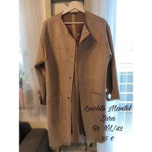 Leichte Mantel von Zara