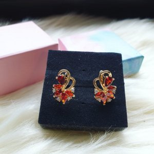 Leichte Ohrringe aus rotem Zirconia