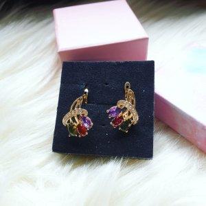 Leichte Ohrringe aus zirconia in mehreren Farben