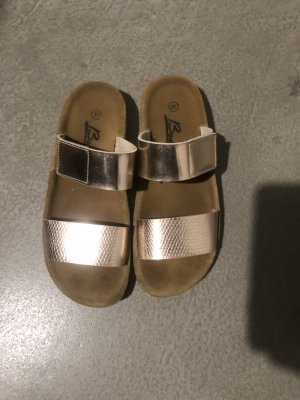 Leichte Roségoldene Schuhe
