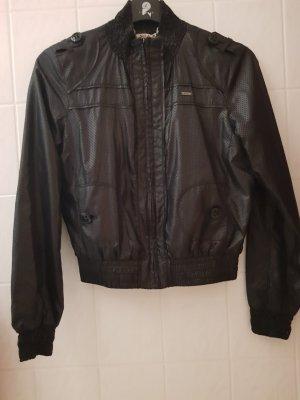 Leichte Schwarze Jacke