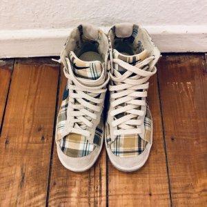 Leichte Sneakers von NIKE - High Top - Modell: Blazer Mid - Gr. 37,5   UK 4