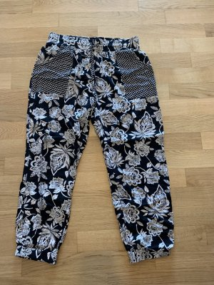 American Eagle Outfitters Pantalone bloomers nero-bianco