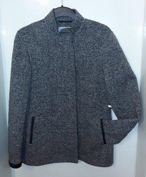 leichte warme Jacke aus Wolle