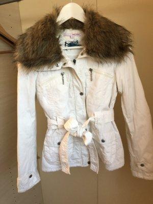 Leichte Winterjacke mit abnehmbaren (Kunst-) Fellkragen