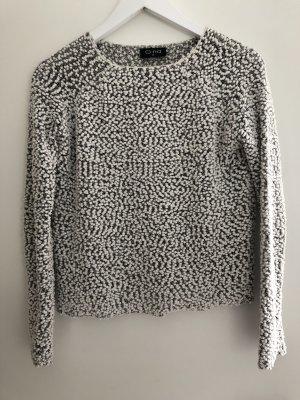 Leichter, dünner Pullover