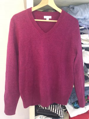 Brookshire V-Neck Sweater violet-raspberry-red wool