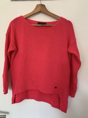 Leichter Pullover für den Sommer