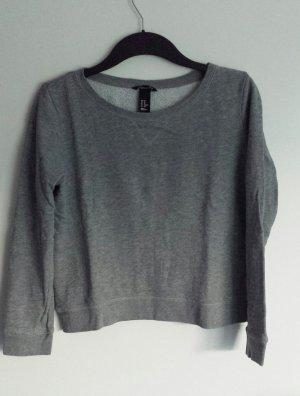 Leichter Pullover in grau