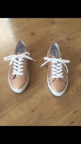 Leichter Rosé-goldfarbener Schuh -Neu-