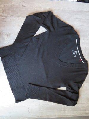 Leichter schwarzer Pullover