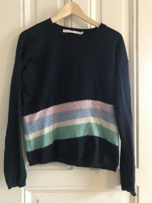 Leichter Sweater mit unregelmäßigen Streifen