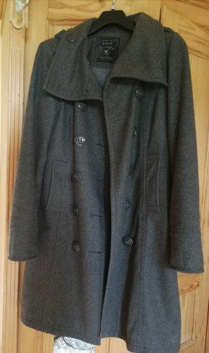leichter warmer Mantel