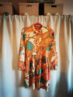 Leichtes buntes Kleid