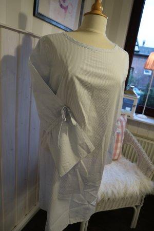 leichtes Kleid in zartem hellblau weiß gestreift