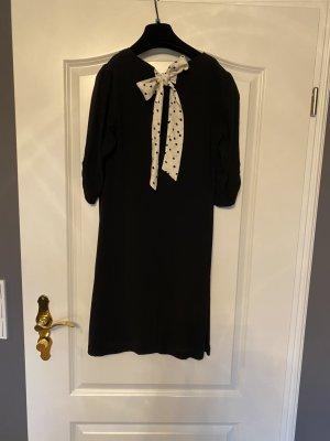 Leichtes Kleid mit schöner Schleife am Rücken