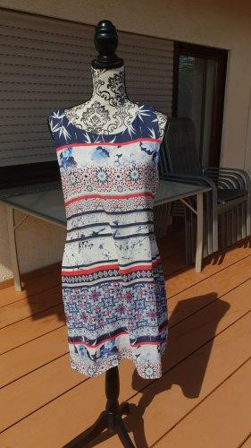 Leichtes Kleid perfekt für den Sommer