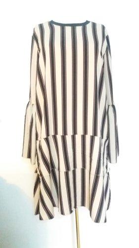 Leichtes Kleid von NORR
