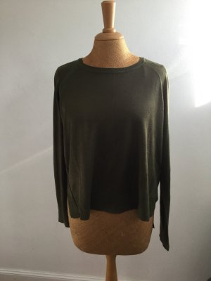 Leichtes Shirt/Pullover in oliv