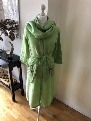 Leinen-Hemdkleid mit Gürtel und passendem Schal (Batikstil)