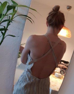 Leinen Jumpsuit Latzhose Rückenfrei Rückenausschnitt Bershka