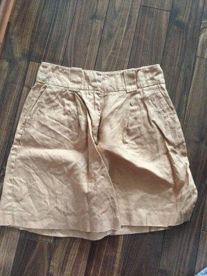 Reserved Pantalón corto de talle alto beige