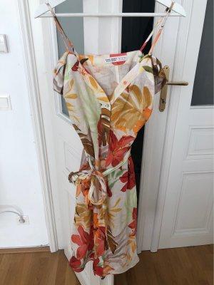Leinenkleid mit Träger und Off Shoulder