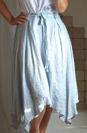 Leinenrock in zartem hellblau, A-Linie, Gummizug, Bindegürtel, zipfeliger Saum, ausgestellt, Midi Rock, Bindegürtel, made in Italy, 100 Leinen, leichter Stoff, hervorragender Zustand, nur 2 x getragen, Gr. S-L