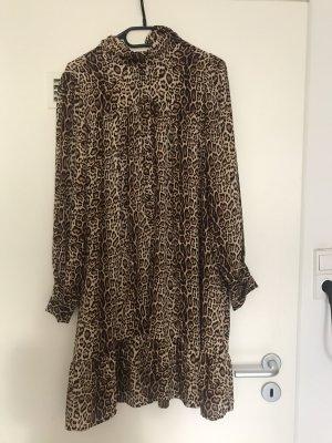 Leo Kleid mit Stehkragen