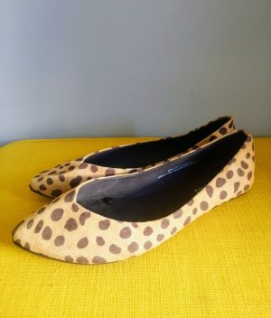 Leopard pumps 41