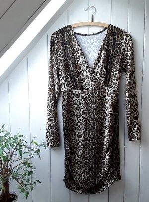 Leopardgemustertes Langarmkleid